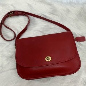Coach Vintage Rare Red City Bag Turnlock Flap